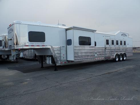 2019 Bloomer 5 Horse PC Load 17ft sw 6ft Slide Horse Trailer