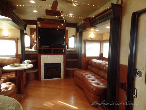 2007 Sundowner Luxury Liner 4H 19.5 ft sw Horse Trailer
