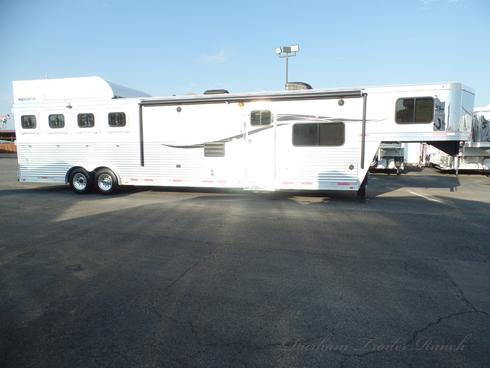 2015 Lakota 4 Horse 15ft 10in SW 7ft Slide Horse Trailer
