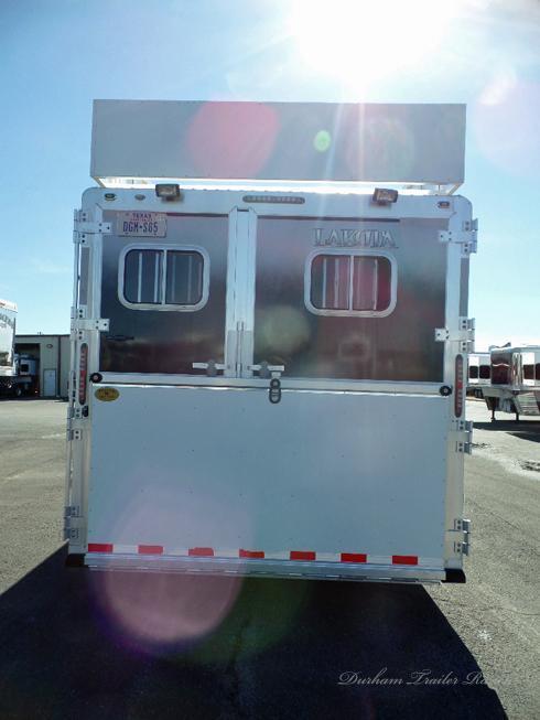 2008 Lakota 4H 14 ft Short Wall Horse Trailer