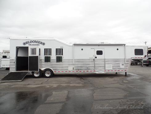 2014 Bloomer 4H 14' SW Horse Trailer