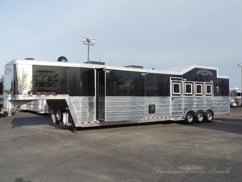 2013 Bloomer 4H 17.5' SW Horse Trailer