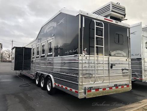 2016 Bloomer 4 Horse PC Load 19.5ft Short Wall Horse Trailer
