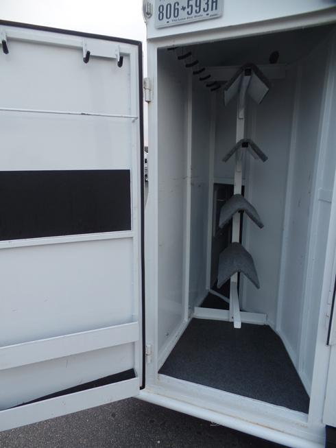 2015 Bruton 3 Horse 3 ft Short Wall Dressing Room Horse Trailer