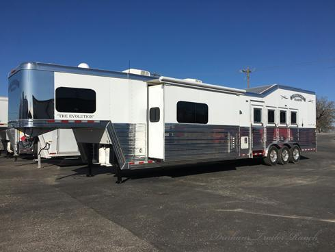 2019 Bloomer 4 Horse 18ft Short Wall PC Side Load Horse Trailer