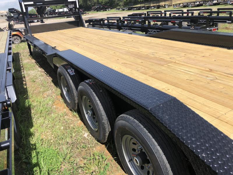 2018 IRON BULL 102X32 TRIPLE AXLE GOOSENECK EQUIPMENT HAULER TRAILER WITH DRIVE OVER FENDERS