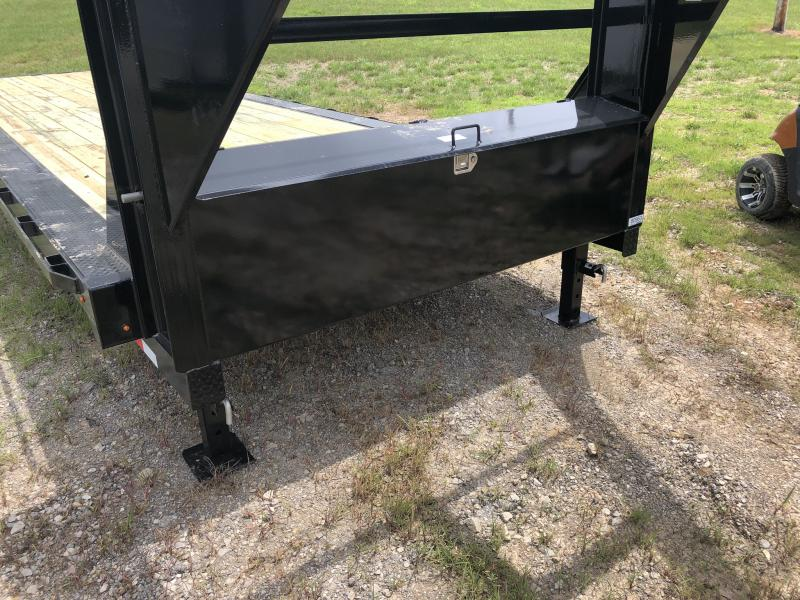 2019 LAMAR 102 X 32 GOOSENECK EQUIPMENT HAULER TRAILER WITH DRIVE OVER FENDERS