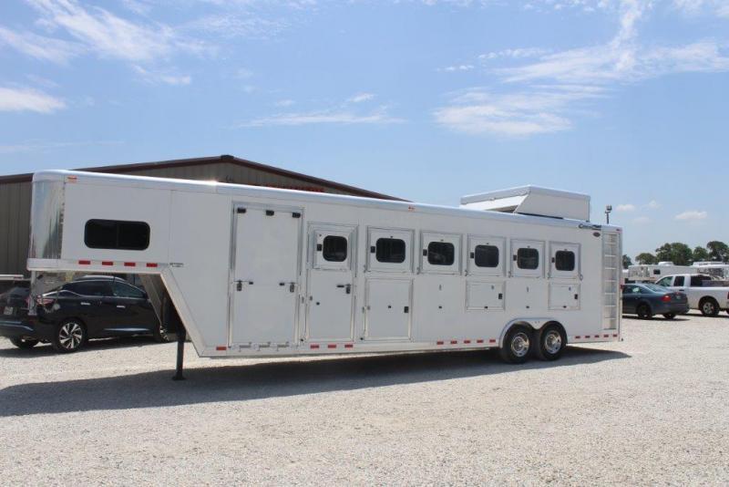 2009 Cimarron 6 horse slant gooseneck