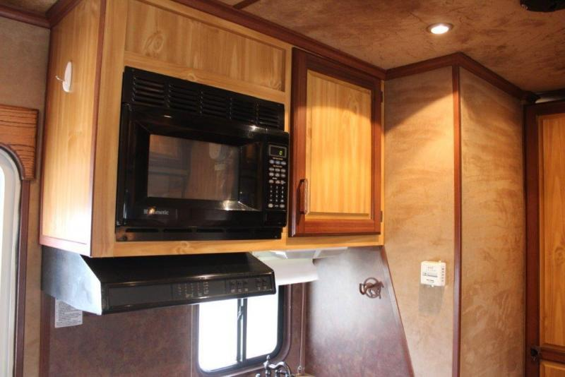 2007 Trails West 4 horse with 12' Living Quarter