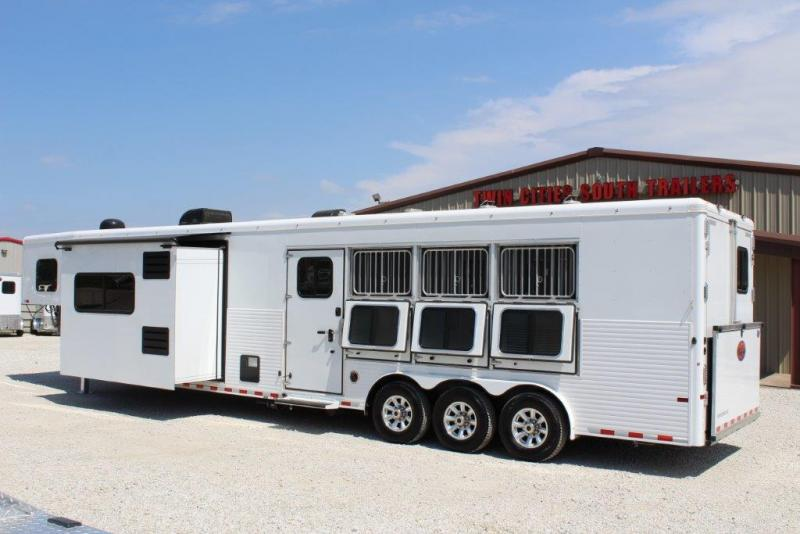 2017 Sundowner 4 horse with 16' LQ with Slide Out