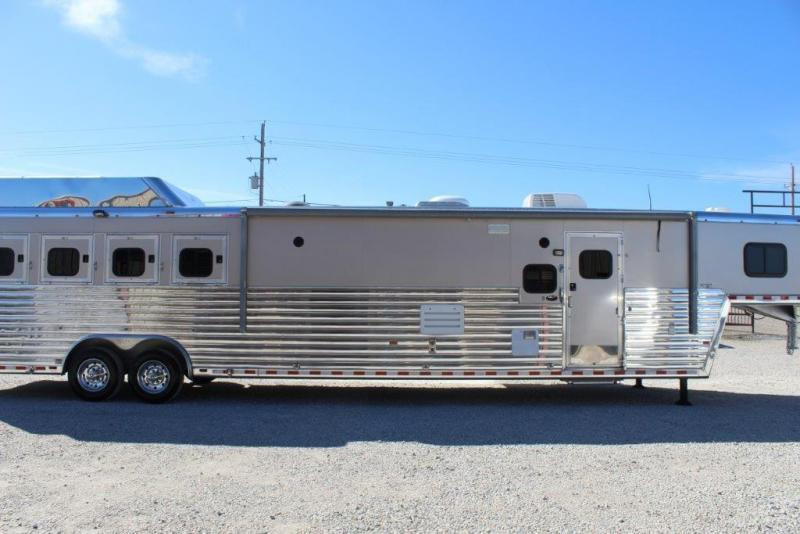 2011 Hart 4 horse with 17' Living Quarter