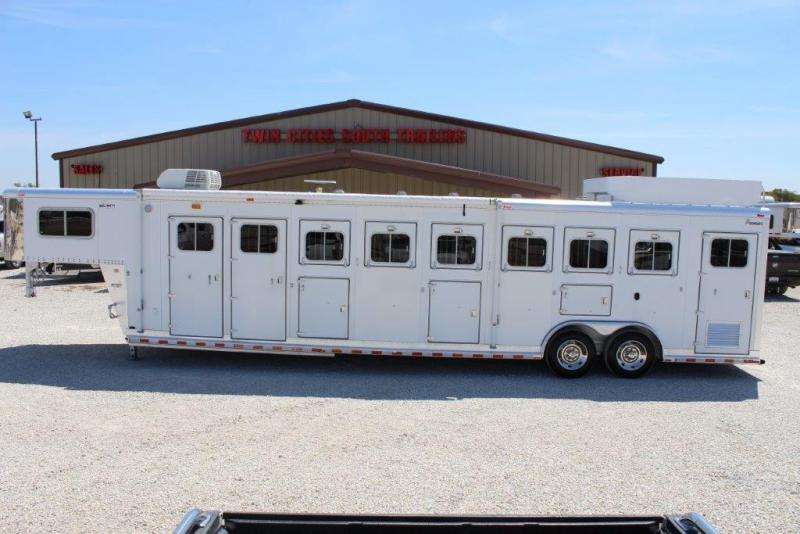 "2002 Sooner 6 horse with 4'5"" Living Quarter"