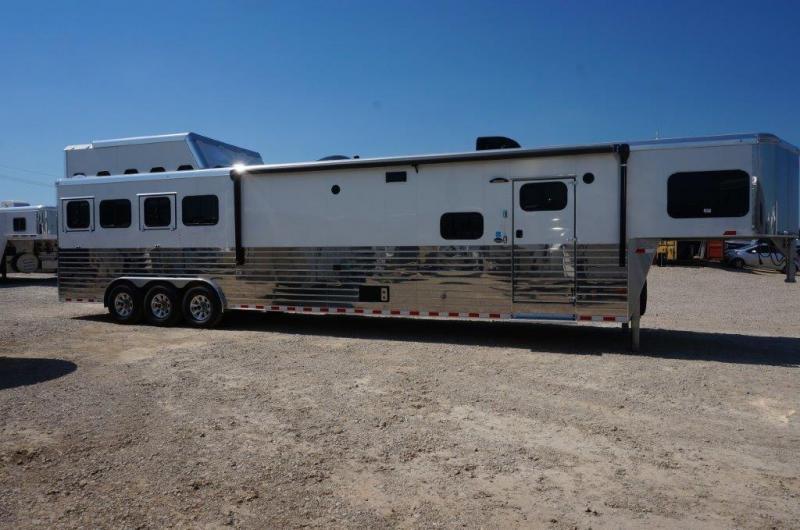 2017 Sundowner Horizon SE 4 Horse Trailer