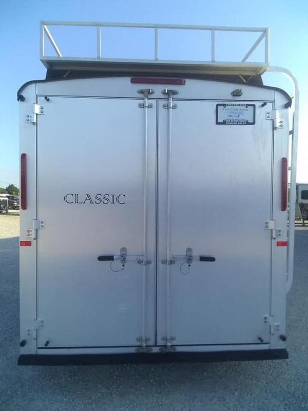 2007 Classic Manufacturing Westerner Horse Trailer
