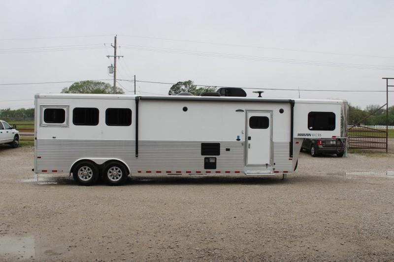 2020 Sundowner 3 horse with 11' Living Quarter in Ashburn, VA