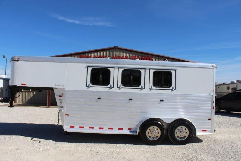 2013 Sundowner 3 horse slant gooseneck