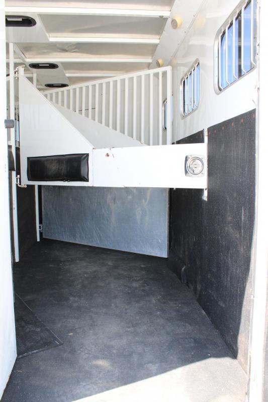 2006 Trails West 3 horse with 10' Living Quarter