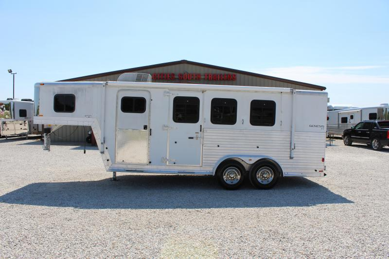 2003 Kiefer Built Weekender Horse Trailer