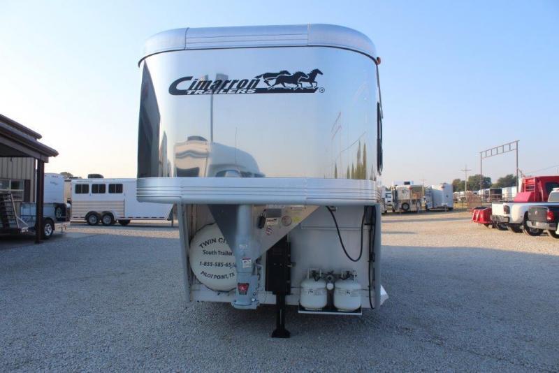 2009 Cimarron  4H trailer w/ LQ