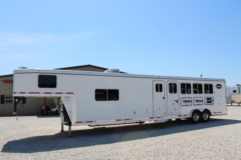 2008 Lakota 4 horse with 12' Living Quarter with Mid Tack in Ashburn, VA