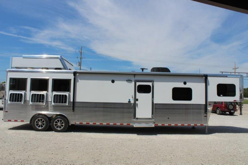 "2019 Sundowner 3 horse with 16'6"" LQ with Slide Out"