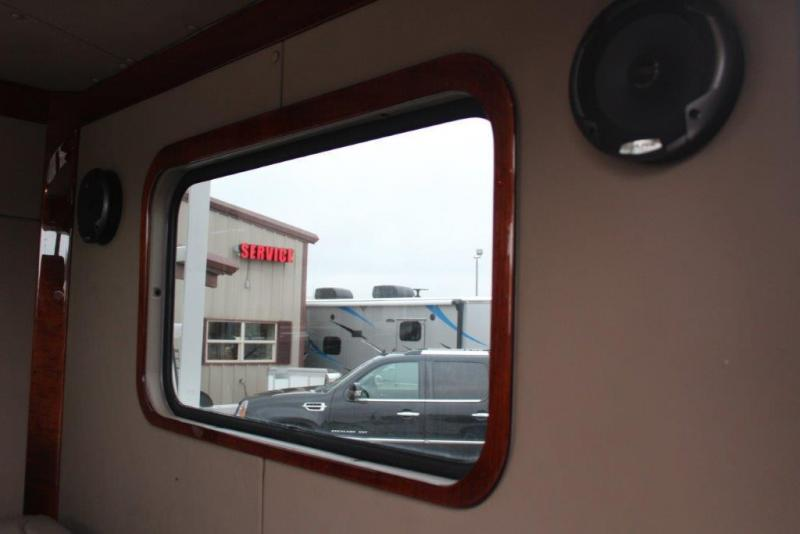 2003 Peterbilt 330 Truck