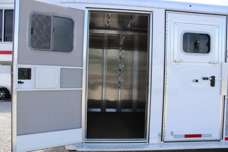 2017 Featherlite 3 Horse Trailer