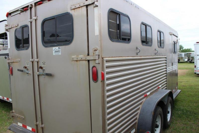 2000 Featherlite 3 horse slant gooseneck