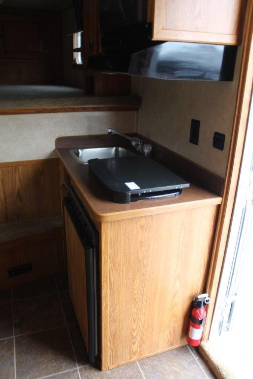 2008 Exiss 4 horse with 7' Living Quarter