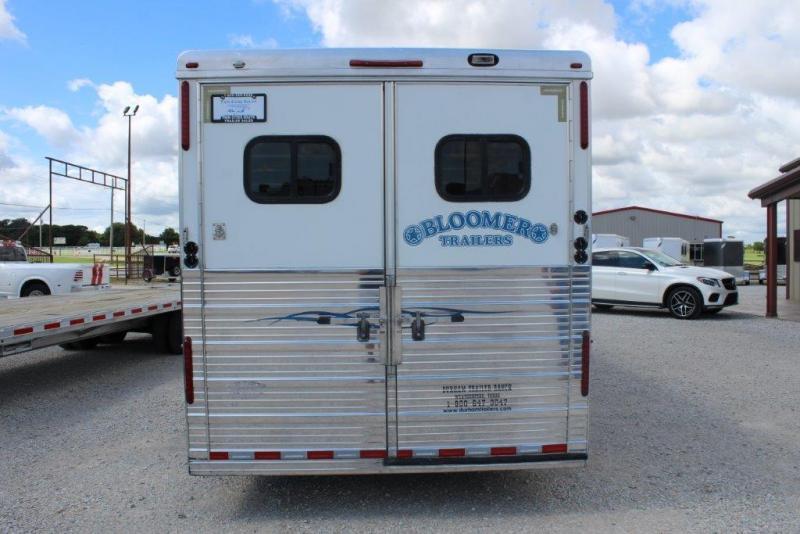 2007 Bloomer dressing room Horse Trailer