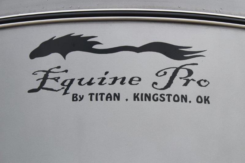 2017 Titan 2 horse stock combo