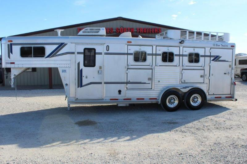 1997 4-Star 3 horse with 6' Living Quarter