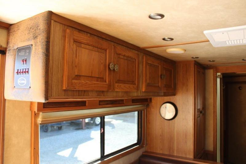 2006 Sundowner 3 horse with 16' Living Quarter
