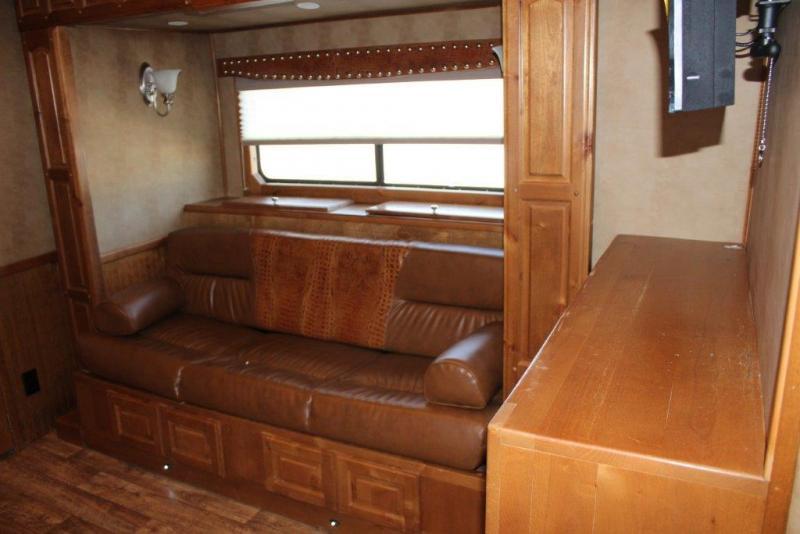 2012 Sundowner 4 horse with 16' Living Quarter w/Slide Out