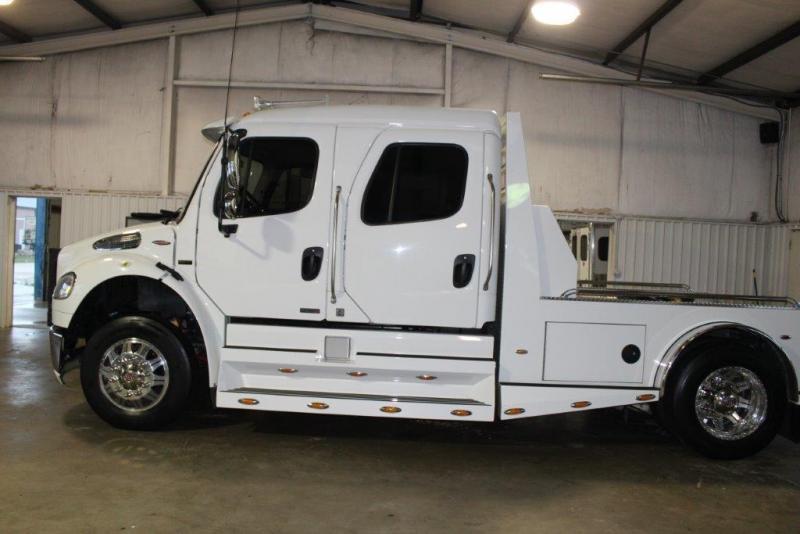 2007 Freightliner M2 Truck