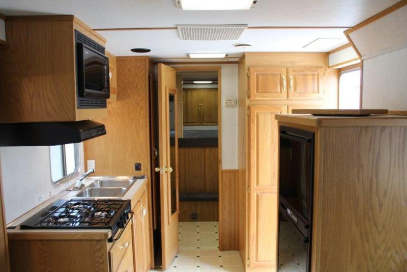 1998 Featherlite 4 horse with 15' Living Quarter