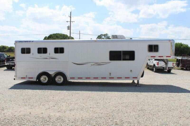 2001 Featherlite 3 horse with 10' LQ