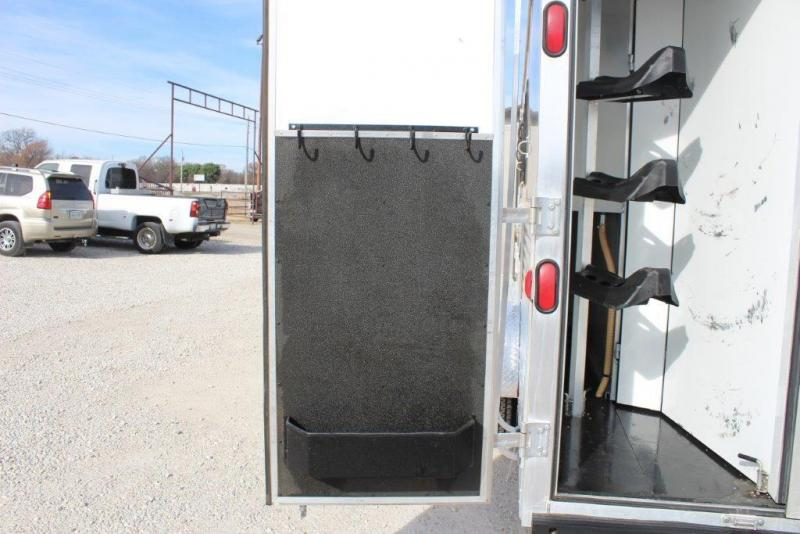 2013 Bison 3 horse with 10' LQ with Slide Out