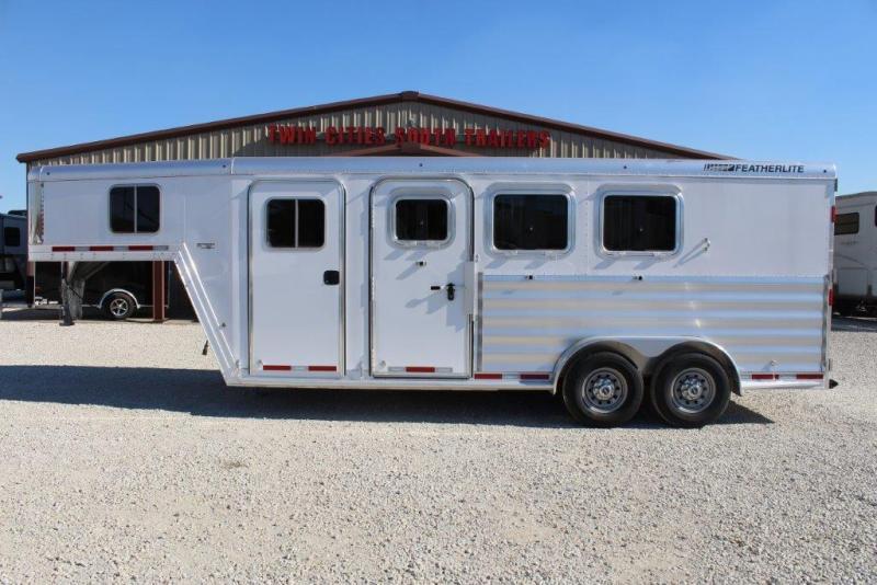 2018 Featherlite 3 horse slant gooseneck
