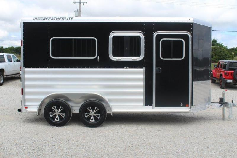 2020 Featherlite 9407 Horse Trailer