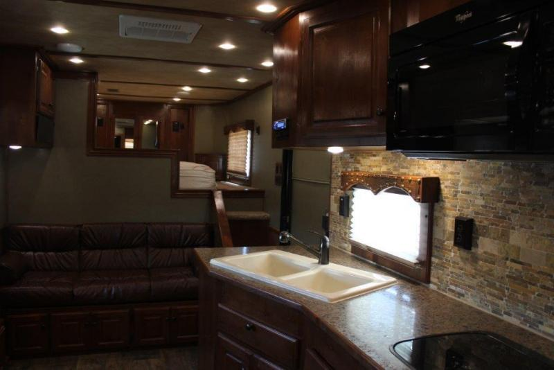 2016 Sundowner 4 horse with 16' LQ w/Side out