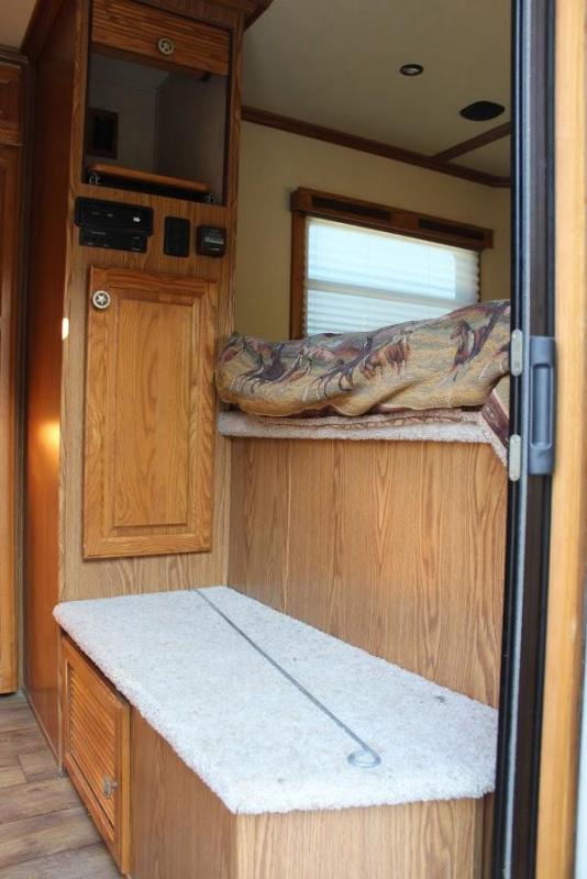 2007 Sundowner Trailers SUNLITE 727 Horse Trailer