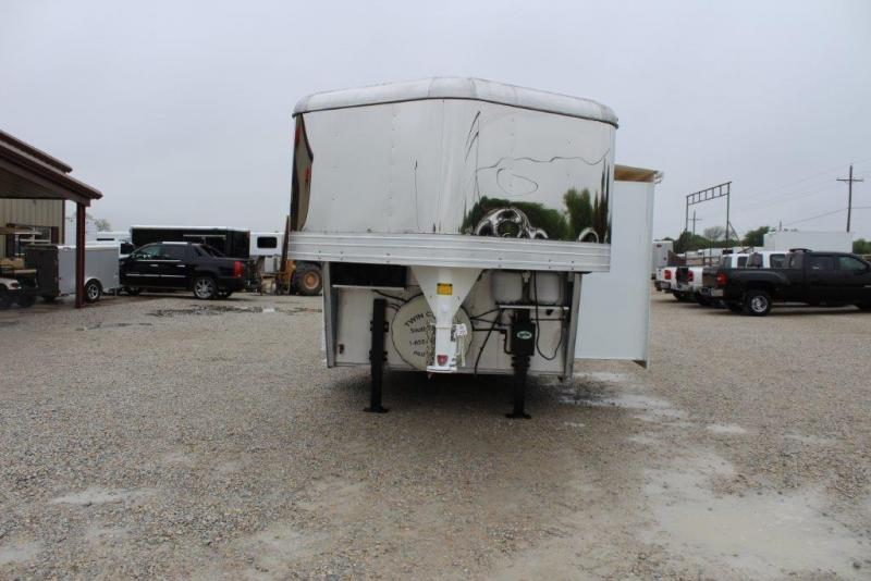 2011 Bison 4 horse with 12' LQ with Slide Out
