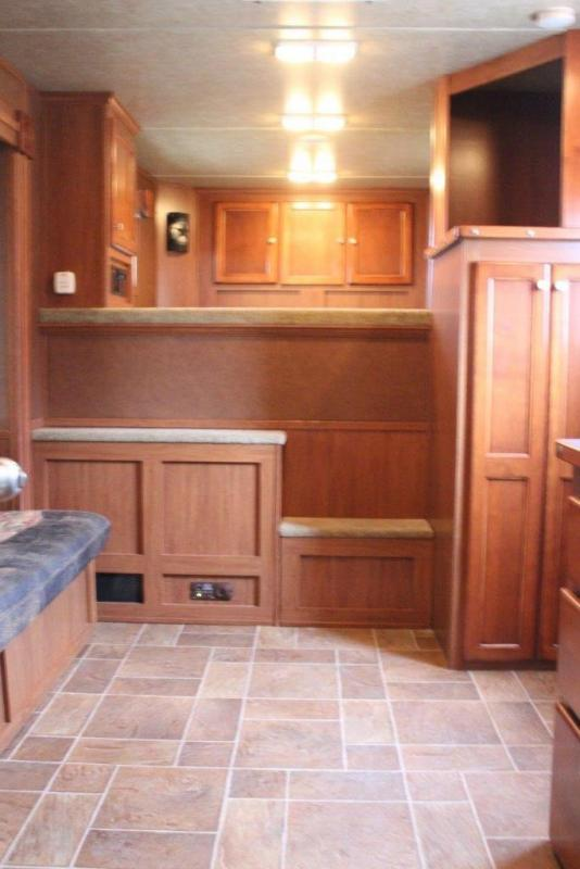 2007 American Spirit 4 horse with 12' LQ w/Slide Out