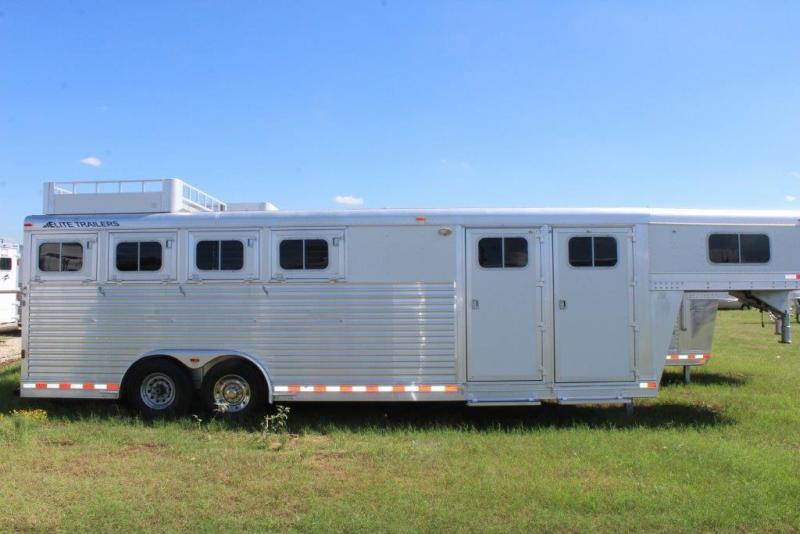 2005 Elite 4 horse with mid Tack