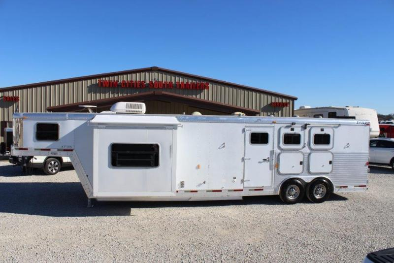 2003 Exiss Trailers 14 living Quarter Horse Trailer in Ashburn, VA
