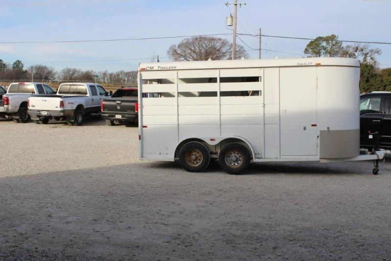 2011 CM Dakota 3 horse slant bumper pull