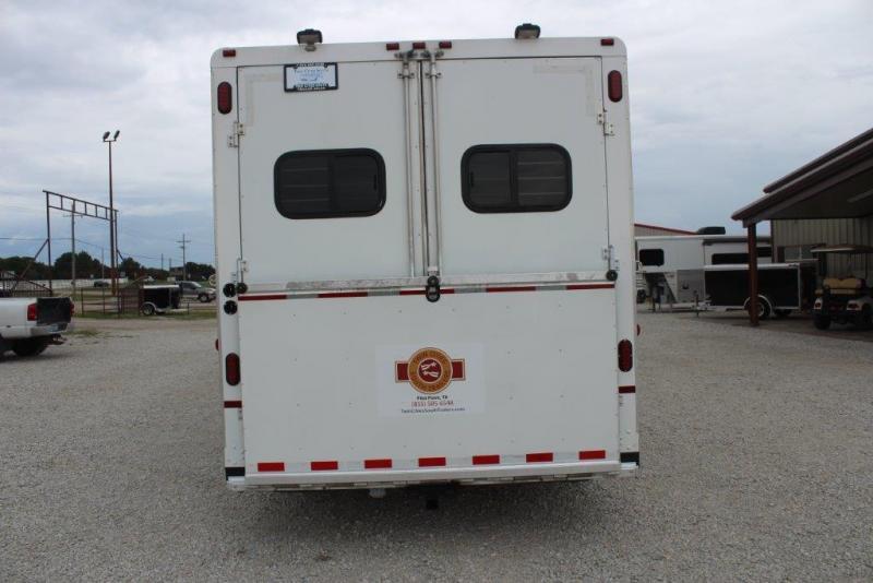 2004 Sundowner Trailers Living Quarter 8018 Horse Trailer