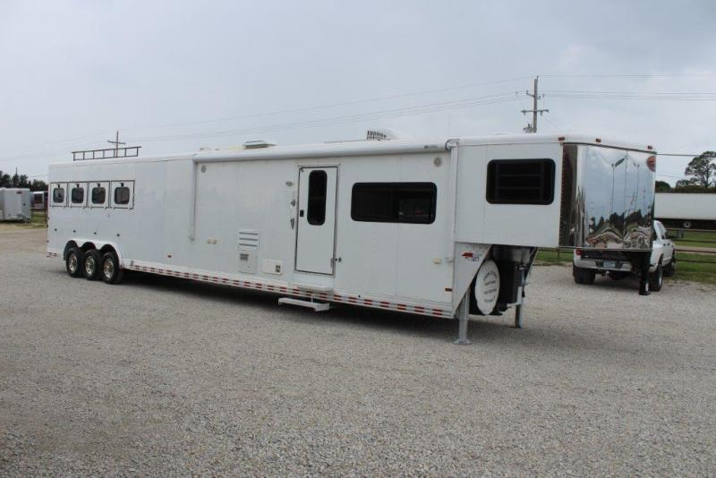 2004 Sundowner Trailers Living Quarter 8018 Horse Trailer