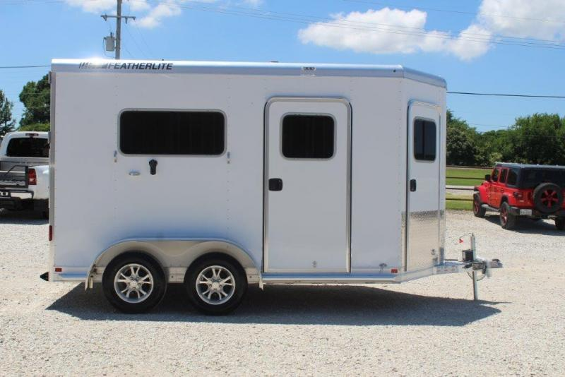 2020 Featherlite 9652 Horse Trailer
